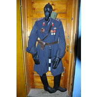Форма офицера МВД СССР из плаща,брюк галифе,хром.сапог того времени,кожан.краг ГАИ,жезла ГАИ,кобуры с ремнём и противогаза по-приколу.Значки не по форме!
