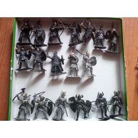 Фигурки (рыцари, пираты, лошади)