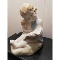 Фарфоровая статуэтка Девочка с собакой и книгой Артель Керамик