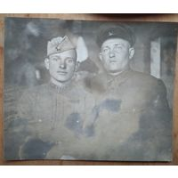 Фото двоих военных. до 1942 г. 7.5х9 см.