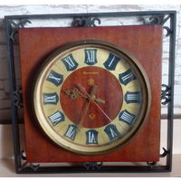 """Часы """"Янтарь""""на реставрацию."""