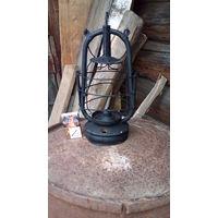 Старый керосиновый фонарь--блиндажный
