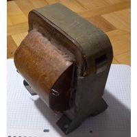 Трансформатор мощный для развязки ( 226В->209В. Коэф. трансформации = 0.93)