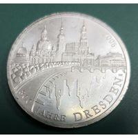 Германия 10 евро 2006 года A 800 лет городу Дрездену.   Ag 925...2