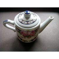 Декоративный фарфоровый чайник. Англия