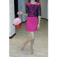Платье трикотаж ажурное спереди и ажурные рукава