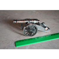 Винтажная коллекционная металлическая зажигалка (пушка)