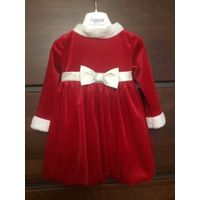 Платье Санты на 12-18 месяцев. Плотная бархатная ткань, юбка тюльпанчик, талия регулируется поясом. Хорошее состояние. Длина 42 см, ПОталии 23 см.