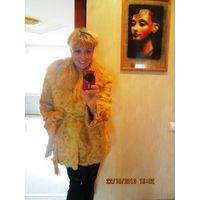 Полушубок неописуемой красоты. Золотая. Из натурального меха козлик+ ЛАМА.  С кармашиками и пояском.р.46-50