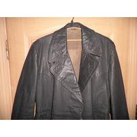Плащ офицерский кожаный Германия 40-50-е г.цвет фельдграу, оттенки серого, зеленого, коричневого