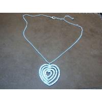 Колье-подвеска со стразами. Покрытие серебро. Винтаж. 46 см ,3,5х3,5 см.