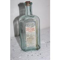 Аптекарская бутылочка с этикеткой