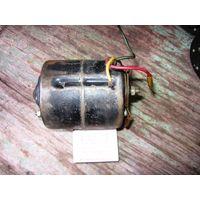 ЛотNo4== двигатель (электродвигатель) постоянного тока МЭ14А: 12В 15Вт, 1500об\мин (автомобильный)