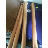 Деревянные ножки для стола, с креплениями. Длина 73 см, диаметр 5 см. 4 штуки.