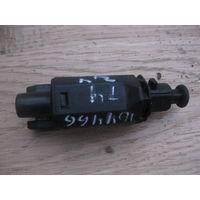 104466C Volkswagen T4 2.4D 1991г датчик педали тормоза 191945515