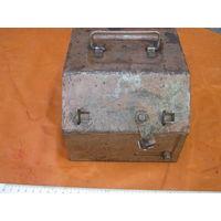 Прочнейший ящик-секретка-сейфик военный для ключей,жетонов,документов.Без фортуны открыть нереально.