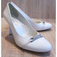 Туфли белые, 40 размер