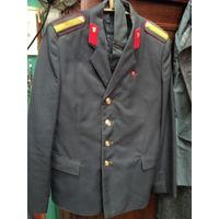 Китель и галстук старшины милиции 1984 года
