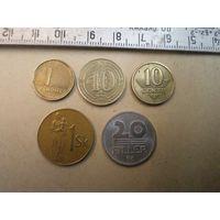 5 иностранных монет/1 с рубля.