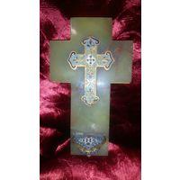 Католическое распятие (крест) с чашей Грааля. Бронза, эмали, оникс. 15 см.