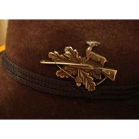 Шляпа с эмблемой охотник   ДЛЯ СЕЗОННОЙ ОХОТЫ  РЕДКАЯ