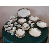 Сервиз столовый + чайный фарфор цвета слоновой кости золочение 8 персон 40 предметов Wintrling Bavaria Германия.