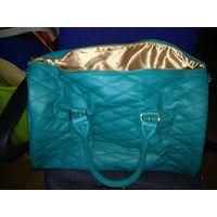 Компактная дорожная женская сумка