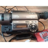 Видеокамера Sony CCD-TR515E стандарт Video Hi8