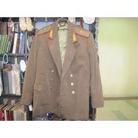 Мундир повседневный(китель и брюки) генерал-лейтенанта ВС СССР, размер 52-54/3.