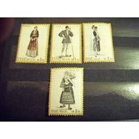4 марочки Греции национальные костюмы искусство чистые MNH** (2-11)