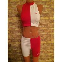 Классный фирменный спортивный костюмчик ADIDAS на 42-44 размер из натурального хлопка
