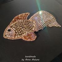 """Авторская брошь ручной работы """"Золотая рыбка"""" с подвижным хвостом"""
