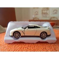 Коллекционная масштабная металлическая модель автомобиля Ниссан -GTR