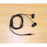 Гарнитура Nokia WH-208 с микрофоном (3.5 мм). Длина кабеля: 90см. Комплект: разноразмерные насадки.