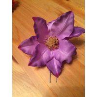 Заколка для волос орхидея около 8 см. Лилового цвета. В наличии.