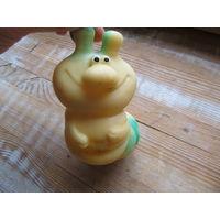 Резиновая игрушка Гусеница