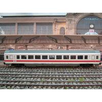 Пассажирский вагон 2-го класса PIKO. Масштаб НО-1:87.