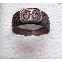 Старое красивое кольцо с инициалами