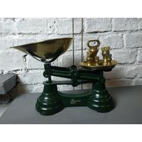 Отличный подарок для интерьера кухни Весы английские винтажные Зеленые с гирями