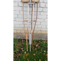 Костыли деревяные и металический из ссср 3 штуки
