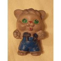 Кот, котенок-мастер - резиновая игрушка СССР, пищалка, старая резина