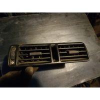 Лот 1247. Центральный дефлектор торпеды Opel Vectra A. Старт с 2 рублей!