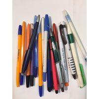 Ручки шариковые 17 шт набором без стержней 90-2000 гг