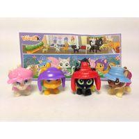Серия игрушек из киндера коты на шопинге