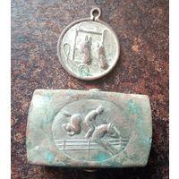 Пряжка и медалька жокея
