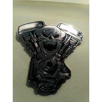 Значок для байкера Хранитель Двигателя металлический