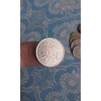 348# 1/2 франка 1977. франция