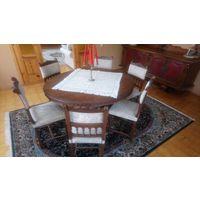 Антикварный обеденный стол и комплект антикварных стульев