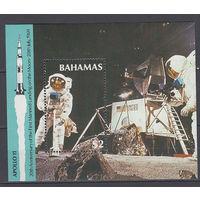 Космос. Аполлон-11. Багамы. 1989. 1 блок. Michel N бл.57 (7,0 е)