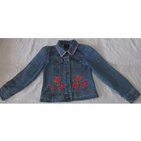 Куртка джинсовая девичья(на 6-8 лет)